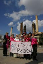 women_at_refinery.jpg