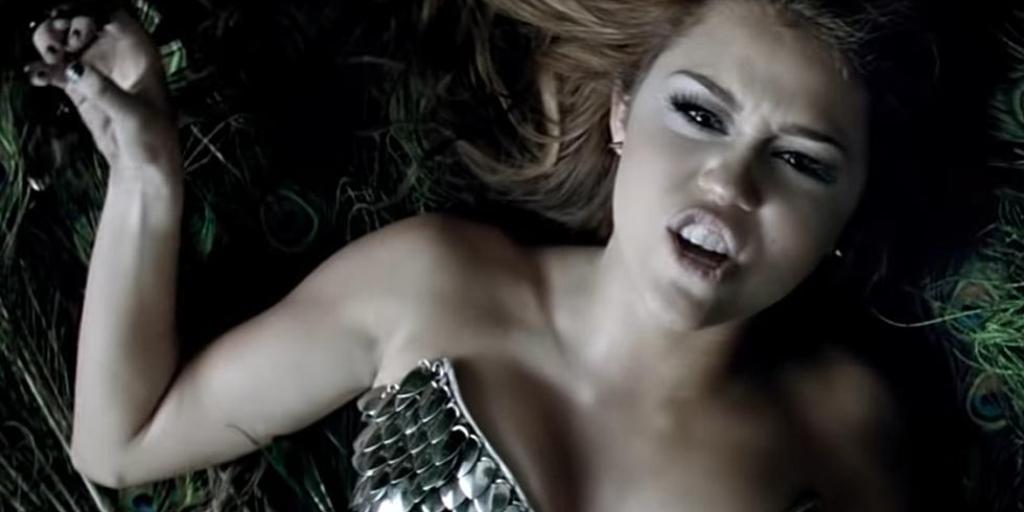 Miley Cyrus conforms to the script