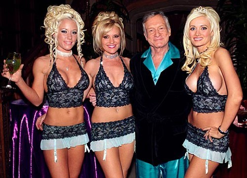 hugh_hefner_Playboy_Bunnies.jpg