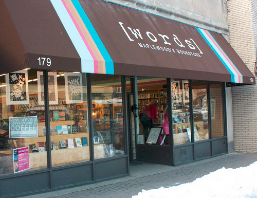 _words__Bookstore_storefront.png