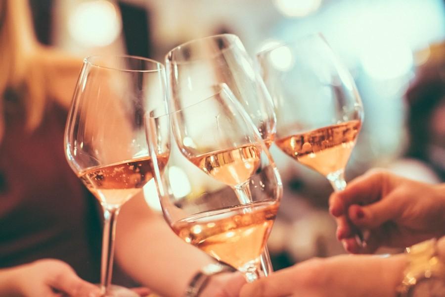 Wine-tasting_VIVA-il-Vino-900x600_1_.jpg