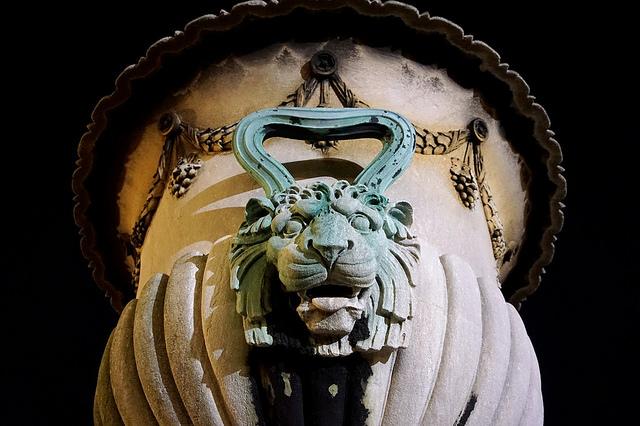 grams_lionhead.jpg