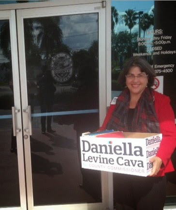 Daniella Levine Cava Delivers Petitions to Elections Department