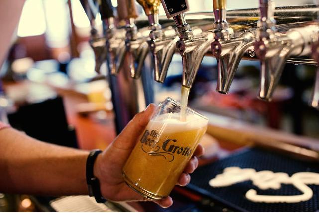 BeerGrottoHappyHourAASept2015.png