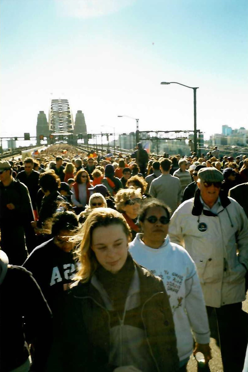 Rebecca_Lindsay_-_Bridge_walk.jpg