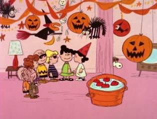 Peanuts, Lucy, et al have a party