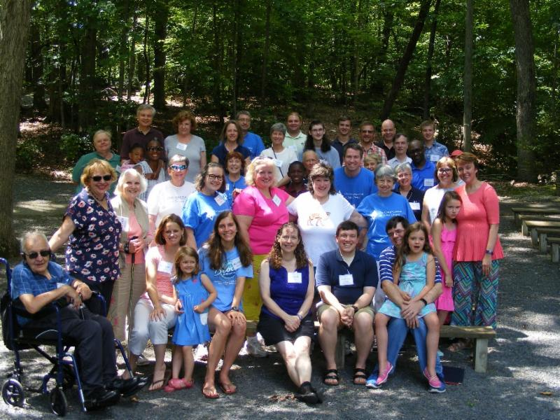photo of outdoor worship service at retreat