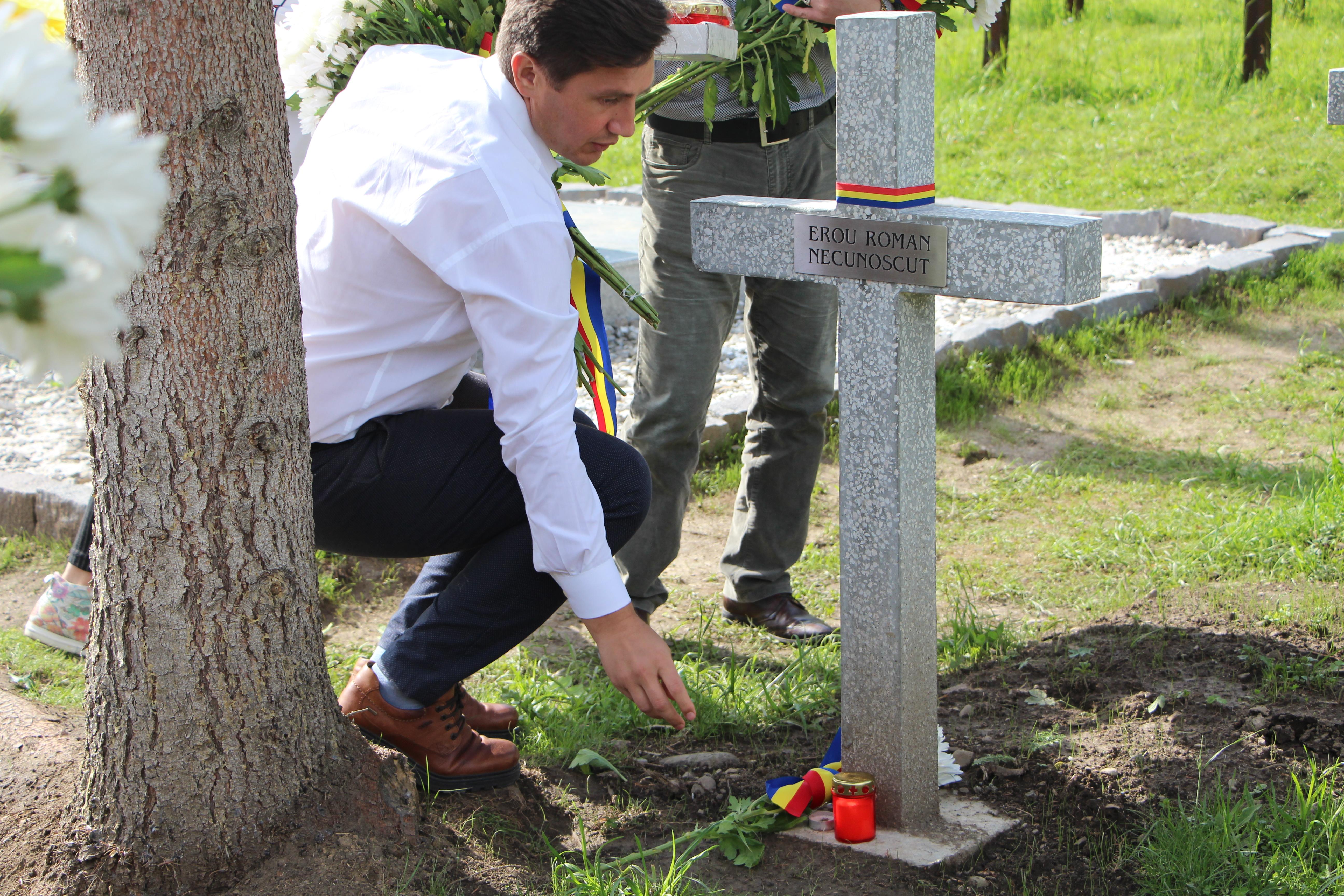 Constantin Codreanu Valea Uzului Cimitir