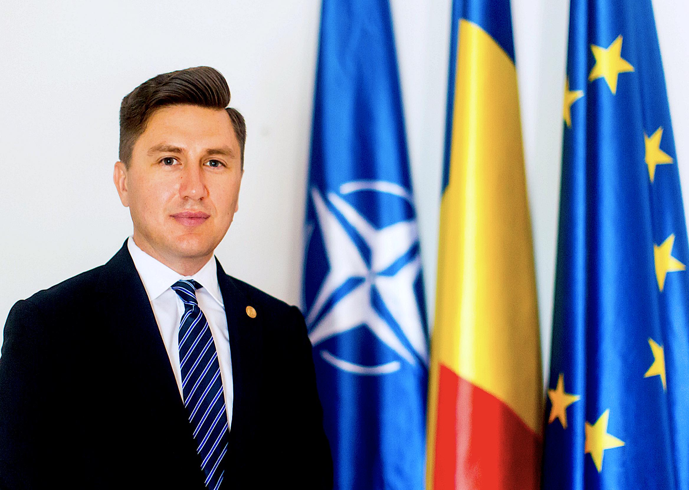 Constantin Codreanu Drapele UE RO NATO