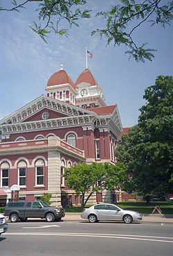 250px-Lake_County_Indiana_Courthouse.jpg