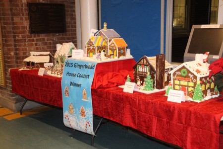 Gingerbread_Houses_at_Town_Hall.jpg