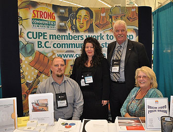 L–R: Municipal Committee chair Mike Jackson, CUPE BC general vice president Cindy McQueen, CUPE BC president Barry O'Neill, and CUPE BC general vice president Deb Taylor.