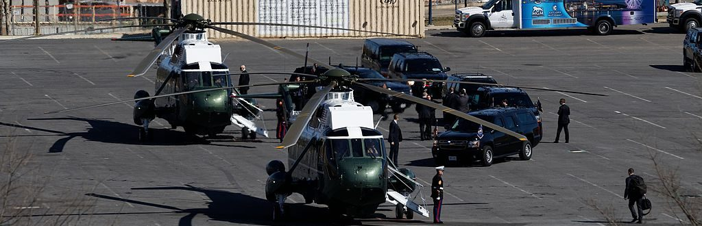 Marine_One_with_President_Donald_Trump.jpg