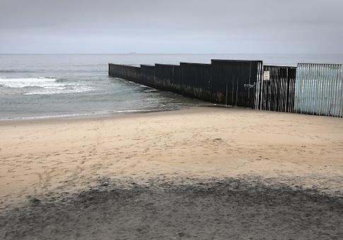 U.S.-Mexico-border-fence.jpg