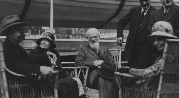 Charlotte_and_George_Bernard_Shaw_Beatrice_and_Sidney_Webb_1932-600x330.jpg