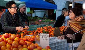 farmers market oranges