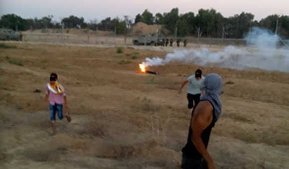 Israeli forces kill child with flare in Gaza