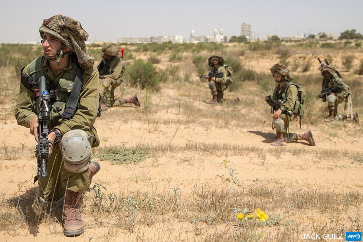 Israeli forces take part in training in southern Israel on May 21, 2015. (Photo: AFP / JACK GUEZ)