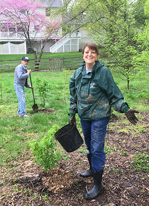 mulching-with-volunteers-on-arbor-day_300x414.jpg