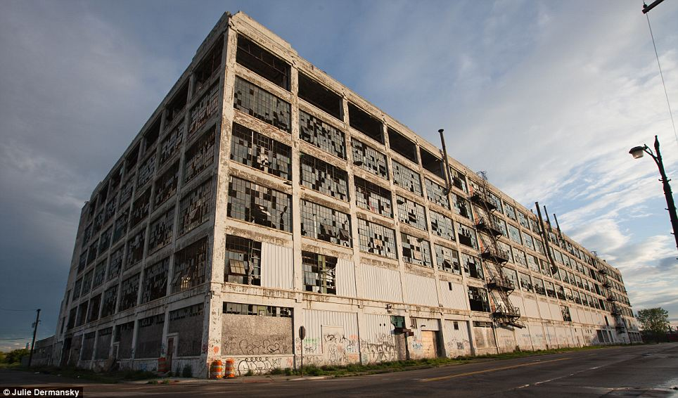detroit-warehouse_thumb.jpg