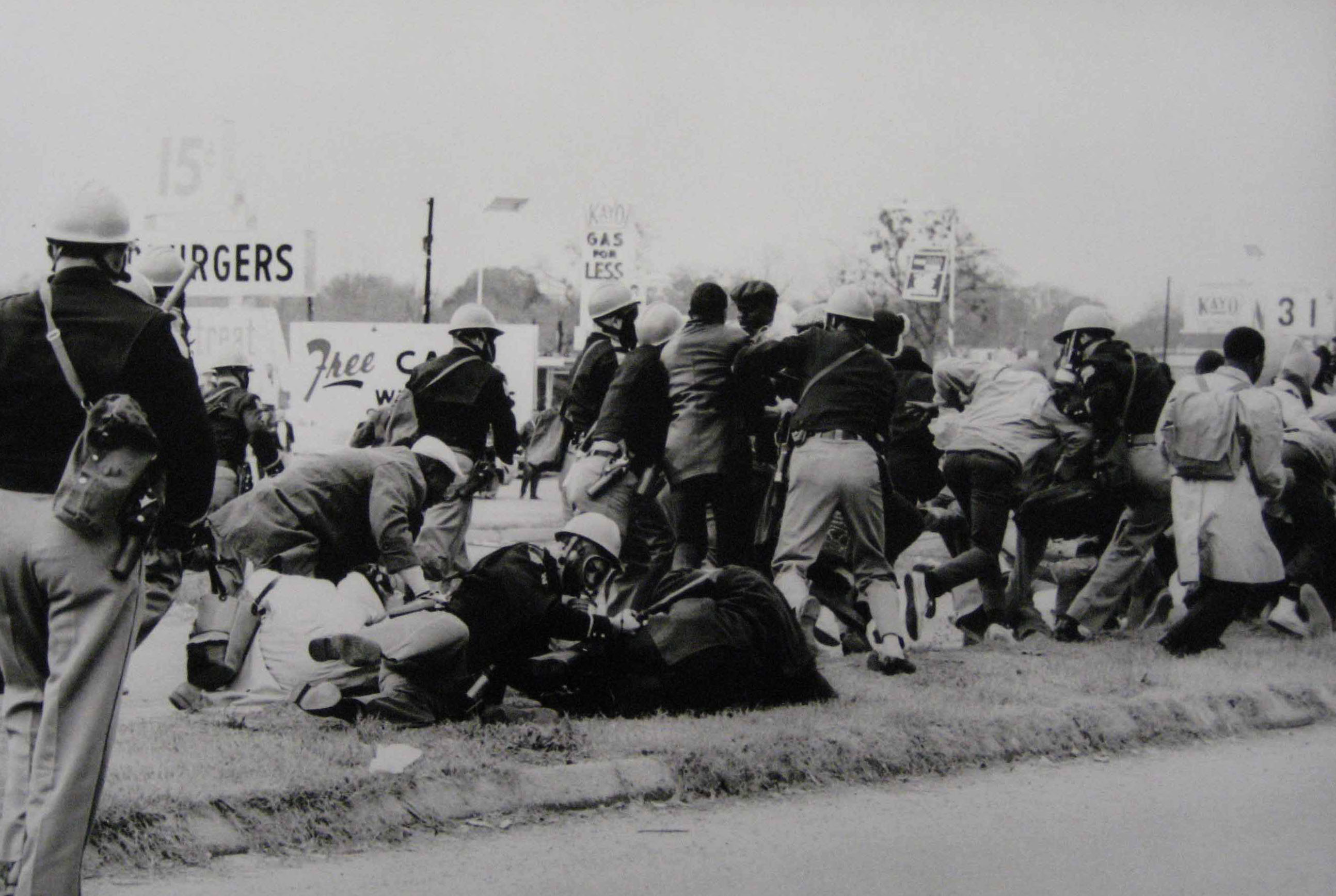 hampton-photographs-selma-attack2-20071115.jpg