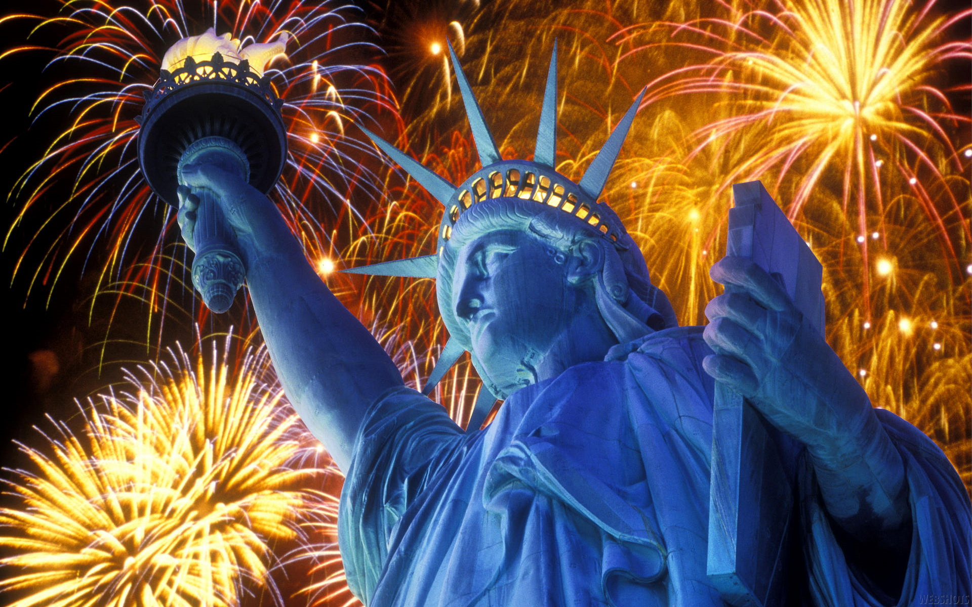 statue_of_liberty_july_fireworks_1920x1200jpg