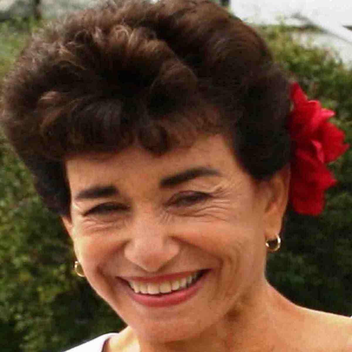 Roberta Camhi
