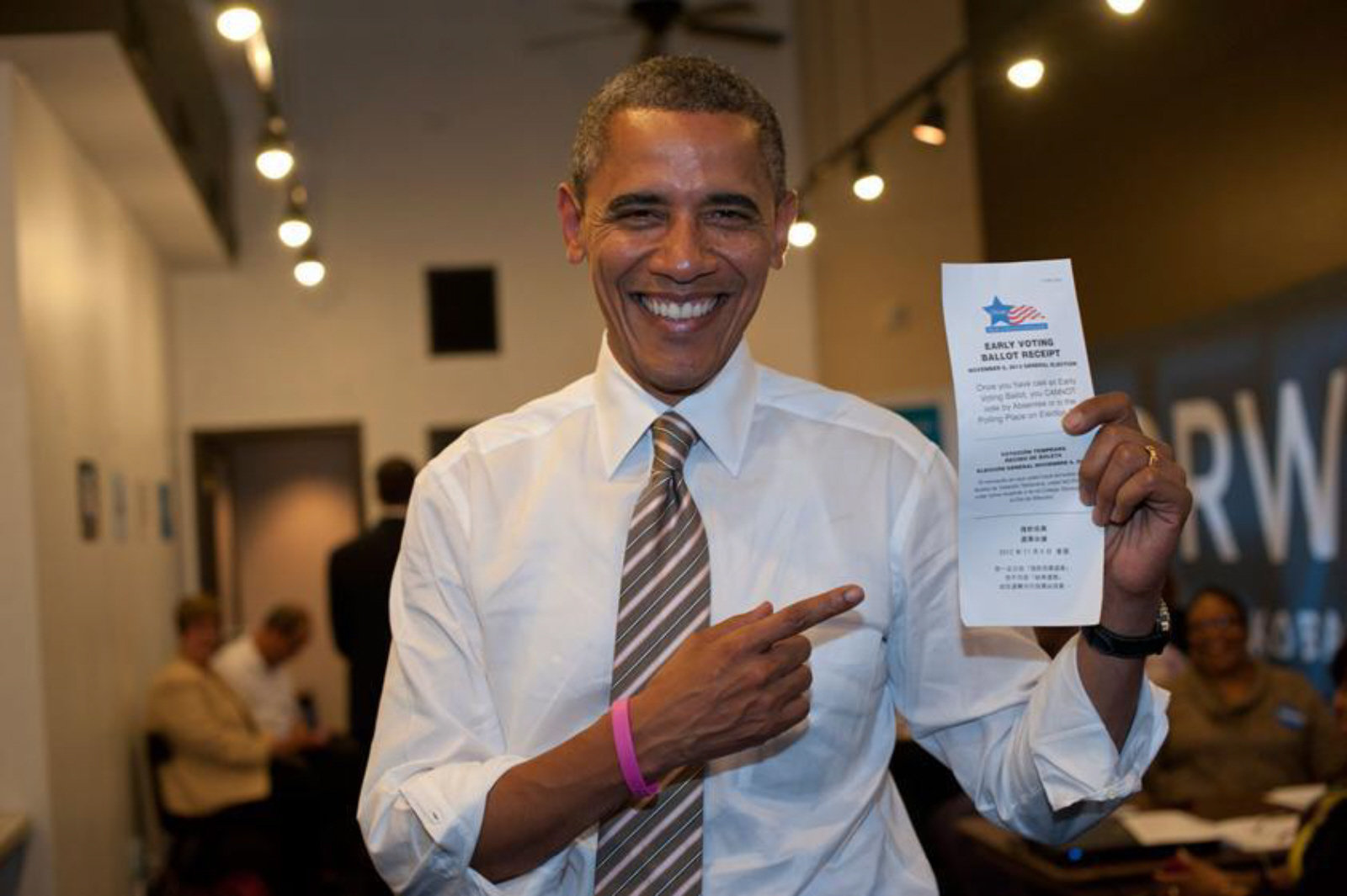 president-obama-1st-sitting-president-early-vote-ballot.jpg