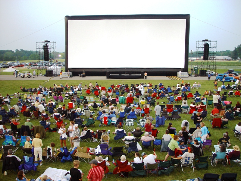OutdoorScreening.jpg