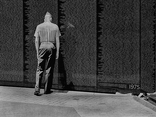 Vietnam-memorial-soldier.jpg