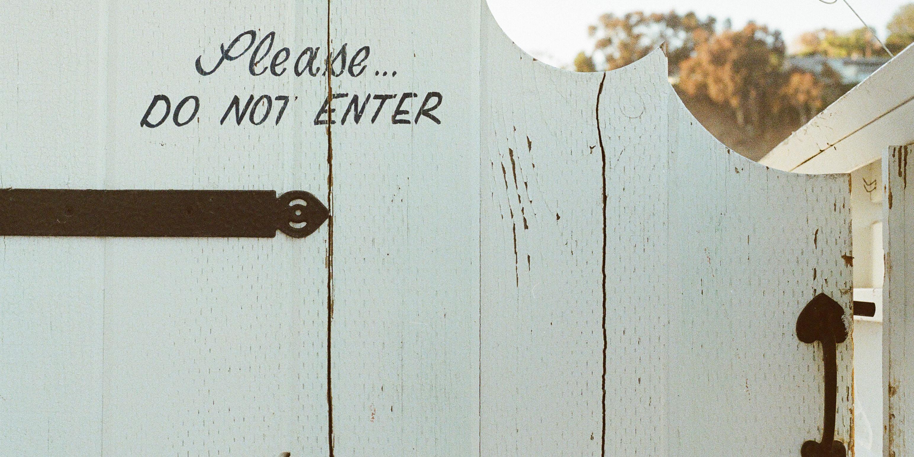 door_fence.jpg
