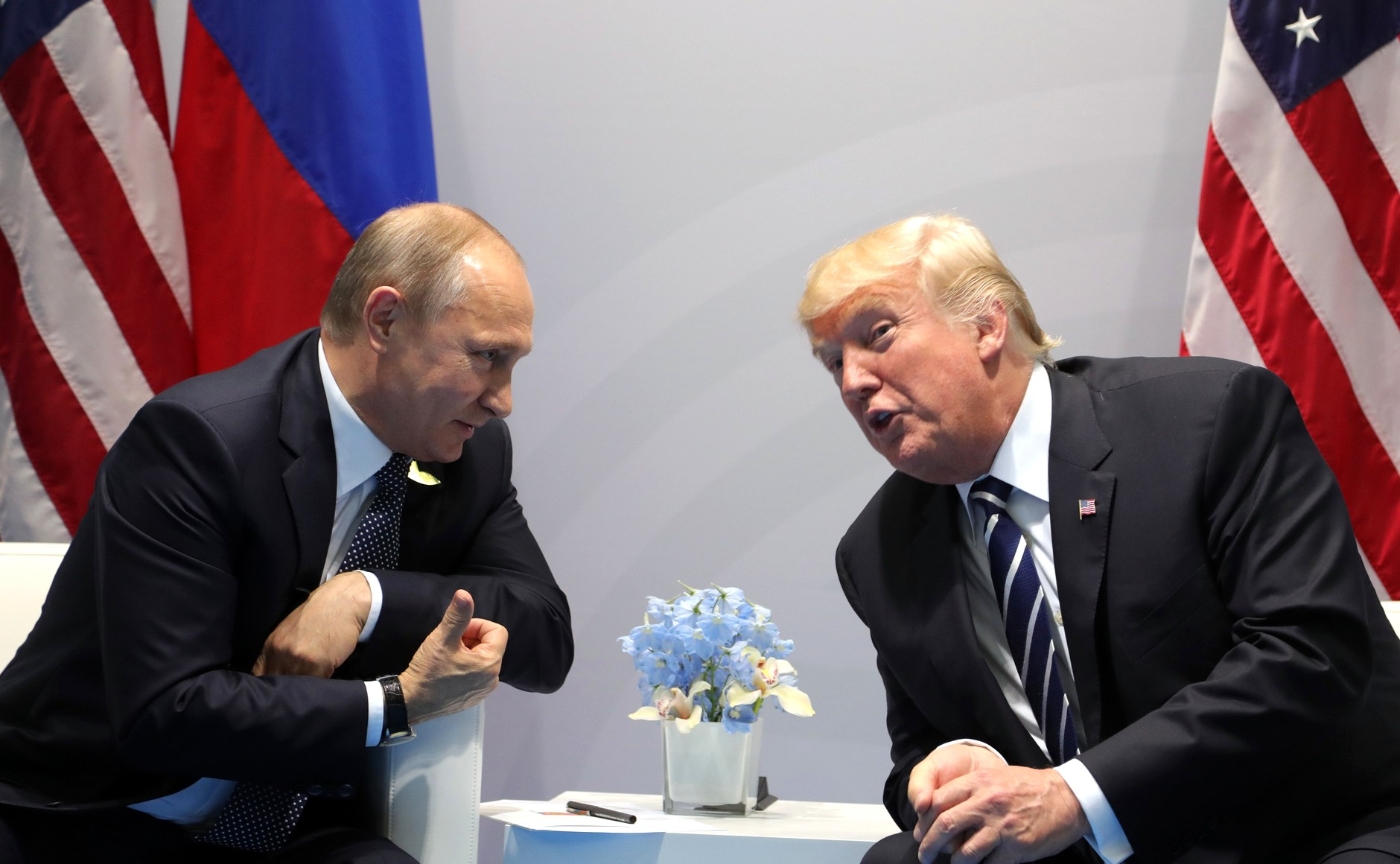 Vladimir_Putin_and_Donald_Trump_at_the_2017_G-20_Hamburg_Summit_(4).jpg