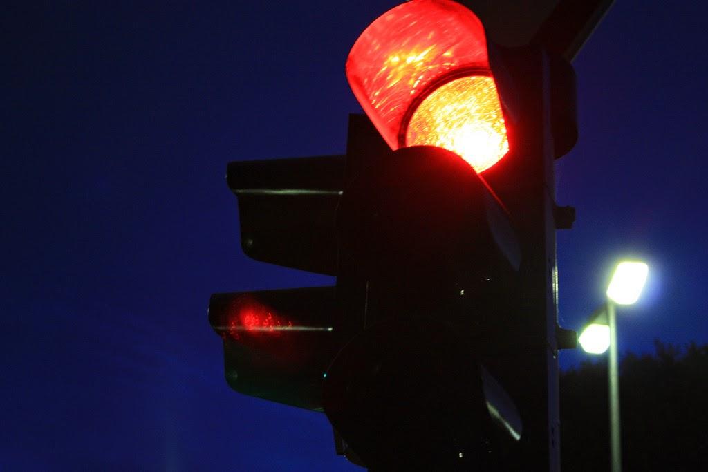 red_light.jpg