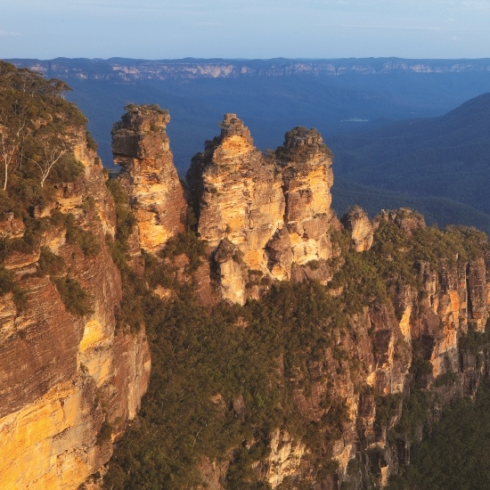Blue_Mountains__Three_Sisters_smaller_1__-_purchased_from_istock_-_resized_square.jpg