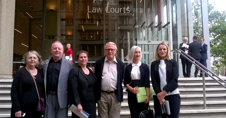 Millers Pt Fund clients and solicitors outside court