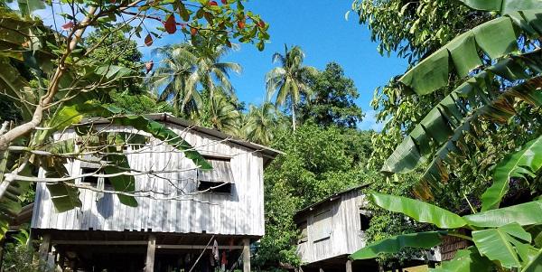 village_Solomon_Island_600.jpg