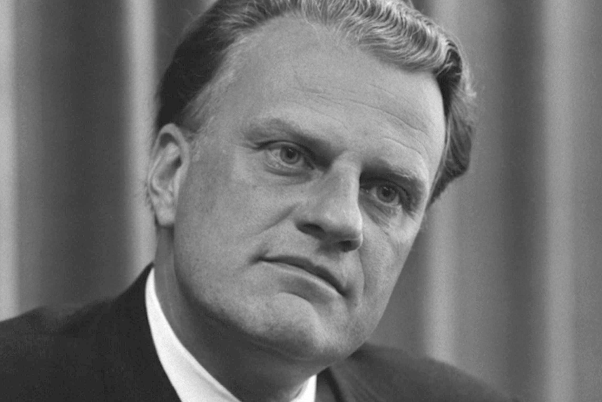 Billy_Graham_bw_photo__April_11__1966_(2).jpg