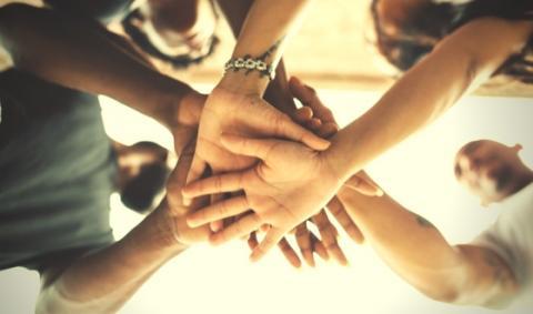 hands-unity2.jpg