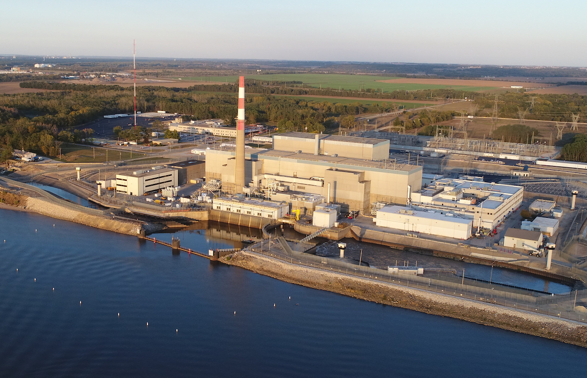 An aerial photo of Quad Cities Generating Station, a nuclear power plant