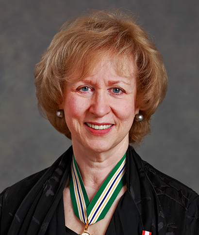 La très honorable Kim Campbell, P.C .; C.C .; Q.C.
