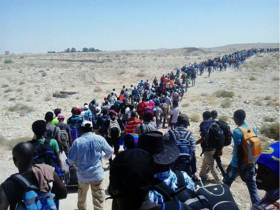 eritrean-refugees-leave-camp-isreal_-_Copy.jpg