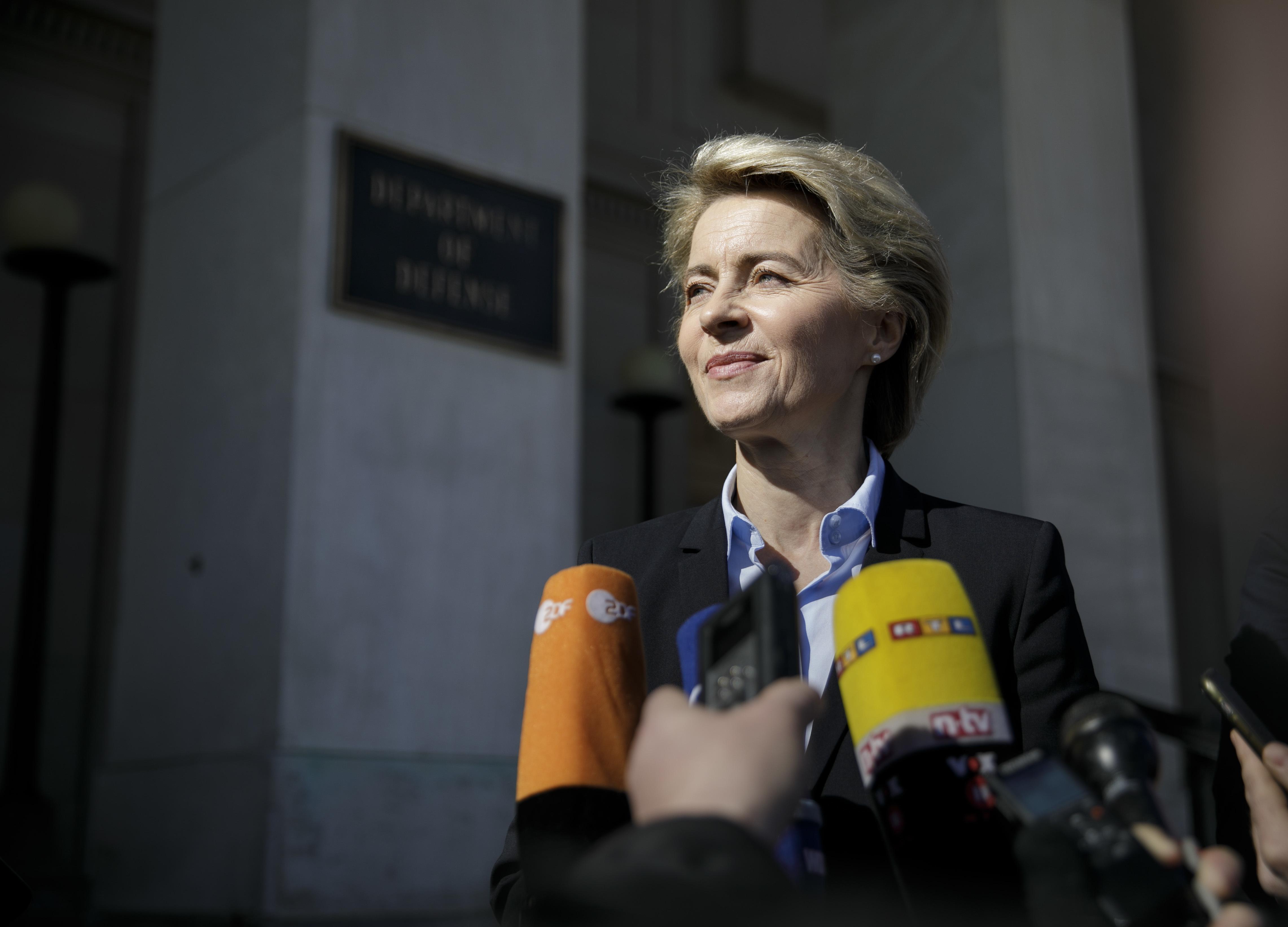EC Commissioner Ursula von der Leyen is interviewed by journalists.