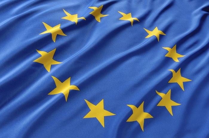 EU-flag-fluttering.jpg