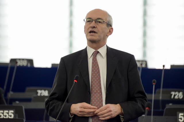Labour MEPs tell Juncker: Reform the EU and take action on