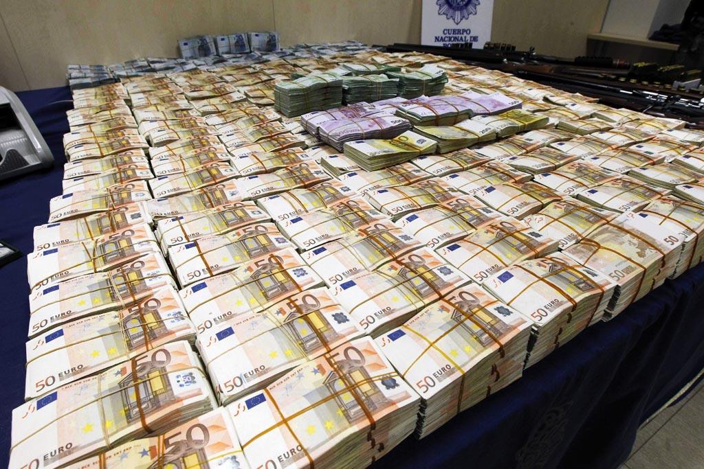 anti-money-laundering-directive.jpg