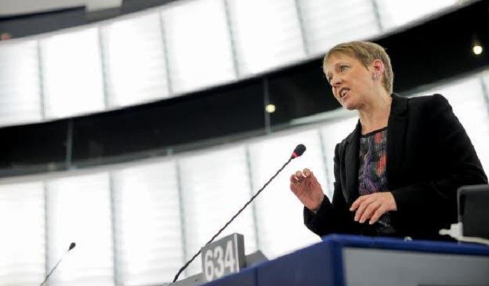Clare-Moody-MEP-plenary.jpg