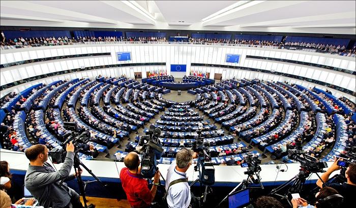 European-Parliament-chamber-Strasbourg-700x410.jpg