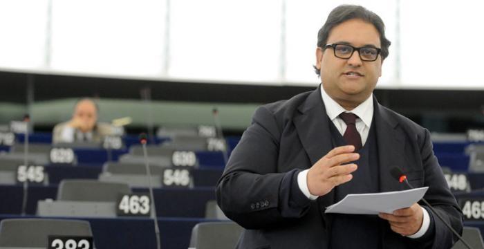 Claude-Moraes-MEP-700x360.jpg