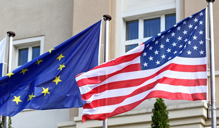 EU-US-flags-ISDS-700x410.jpg