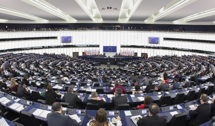 European-Parliament-plenary-chamber-Strasbourg-700x410-2.jpg